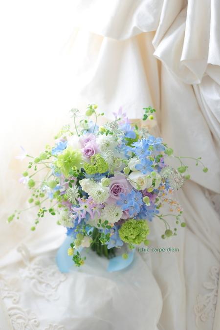 新郎新婦様からのメール 青と紫のクラッチブーケ 八芳園さまへ_a0042928_21375051.jpg