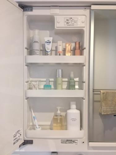 【web内覧会】2年目の洗面室+++鏡裏収納のスッキリ化_a0335677_20532095.jpg