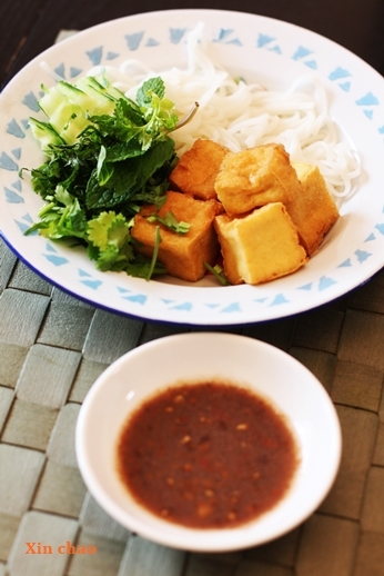 Xin chao  ~ベトナム路上ご飯の会~_d0353281_02185998.jpg