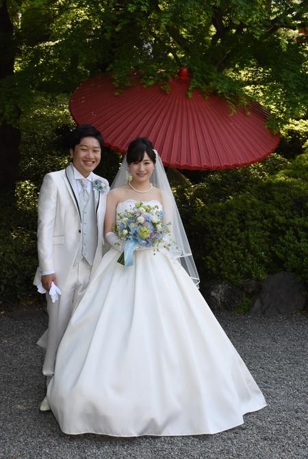新郎新婦様からのメール 青と紫のクラッチブーケ 八芳園さまへ_a0042928_1025305.jpg