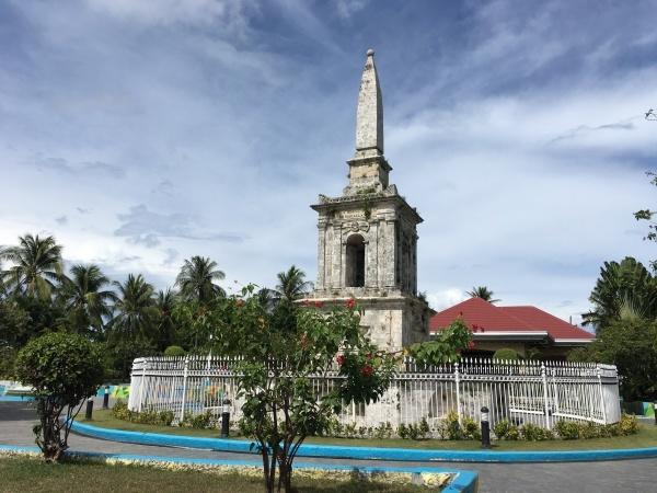 フィリッピン最古の都市ラプラプ市_b0100062_07592464.jpg