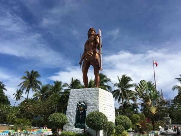 フィリッピン最古の都市ラプラプ市_b0100062_09112612.jpg