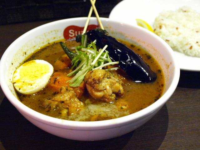 札幌 スープカレーSuage+ その6 (ガリバタチキンカレー)_d0153062_850337.jpg