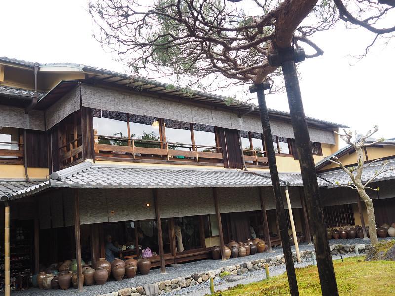嵐山で湯豆腐を食べる_e0374932_06491642.jpg