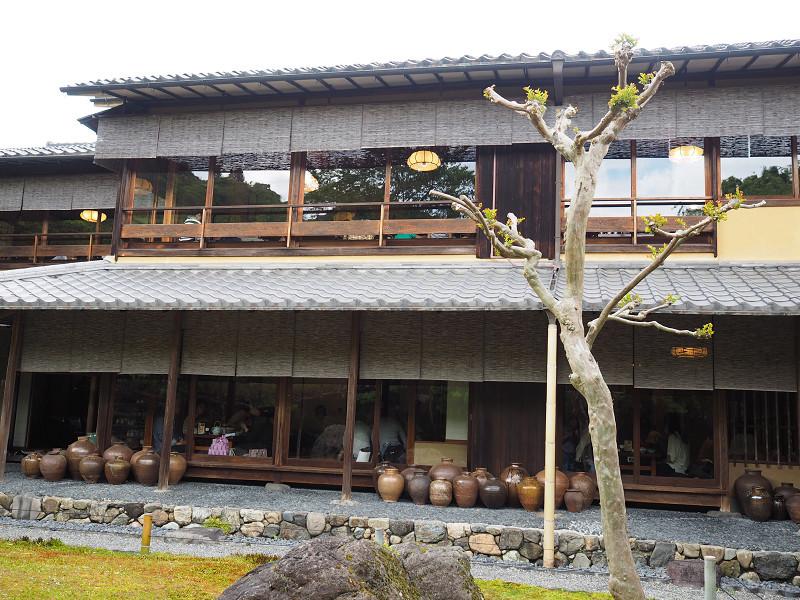 嵐山で湯豆腐を食べる_e0374932_06491760.jpg