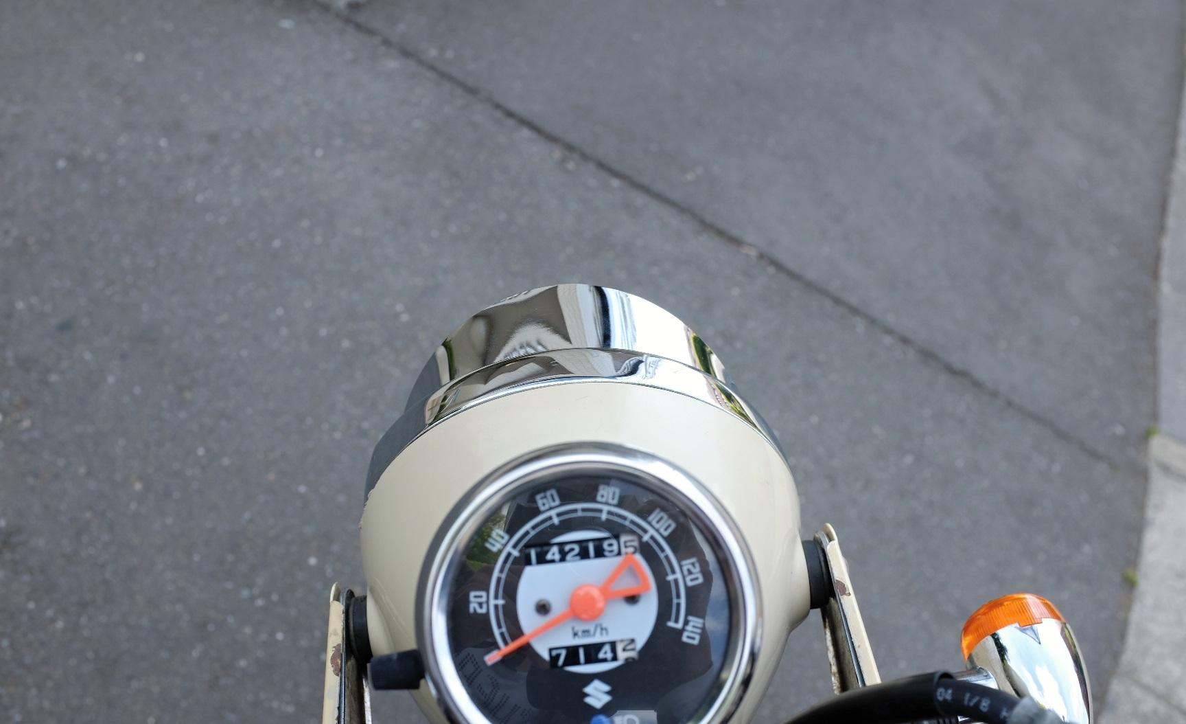 ヘッドライトバイザーの取り付け_d0233770_2075351.jpg