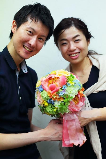 クラッチ風仕立てのブーケ、八芳園の新郎新婦様へ、翌日に押し花に _a0042928_21234019.jpg