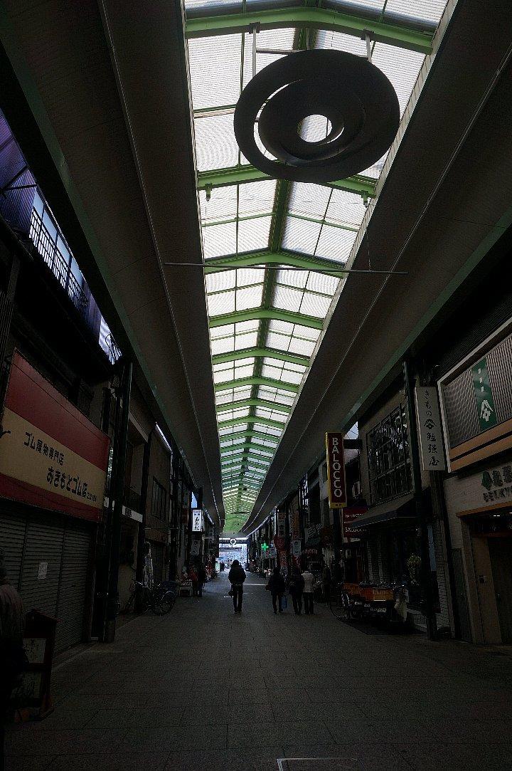 尾道本通り商店街の商店建築_c0112559_09195730.jpg
