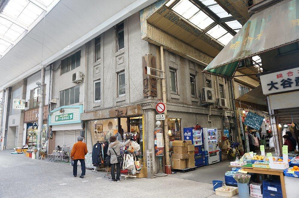 尾道本通り商店街の商店建築_c0112559_09260418.jpg