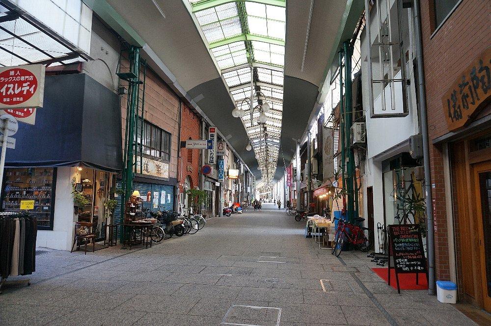 尾道本通り商店街の商店建築_c0112559_09283921.jpg
