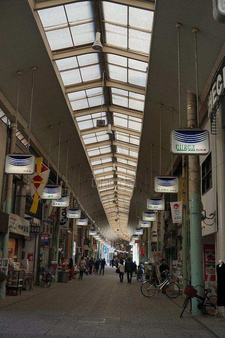 尾道本通り商店街の商店建築_c0112559_09441088.jpg