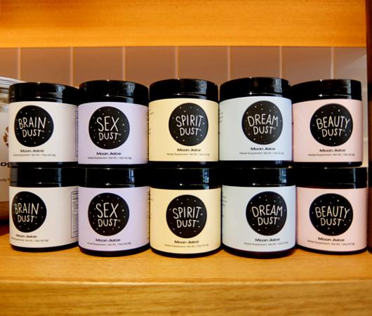 アメリカで注目の新商品、今よりもっと綺麗になるBeauty Dust?! by Moon Juice_b0007805_6341542.jpg