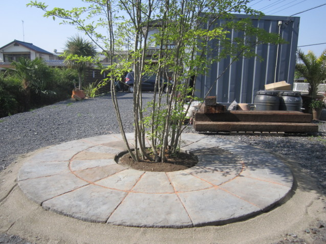 とある、 晴れた日の太田市・足利市外構工事のお店 garden-flow (*´▽`*)_e0361918_14522557.jpg