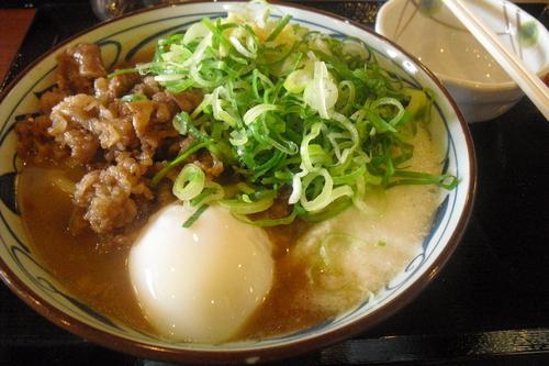 丸亀製麺 『牛とろ玉うどん』_a0326295_1847174.jpg