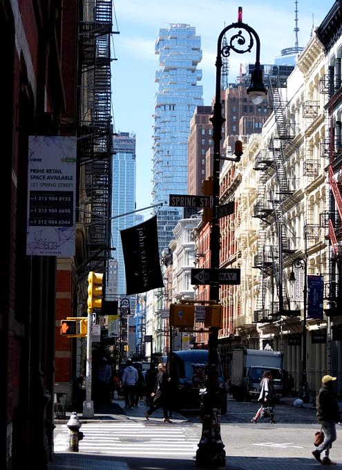NYで話題のジェンガみたいな新築高層コンドミニアム、56 Leonard_b0007805_9554693.jpg