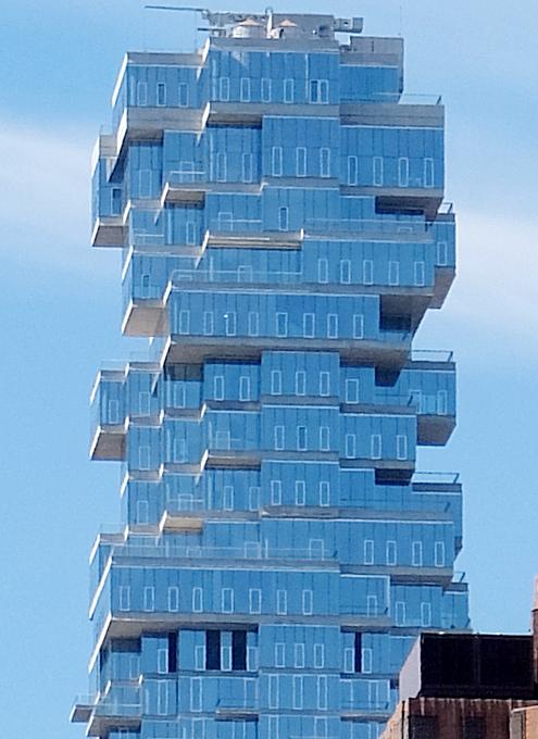 NYで話題のジェンガみたいな新築高層コンドミニアム、56 Leonard_b0007805_958563.jpg