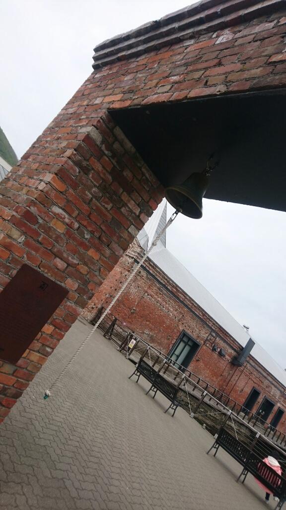 金森倉庫の鐘。亀梨和也さんが鳴らした鐘です。_b0106766_21034195.jpg