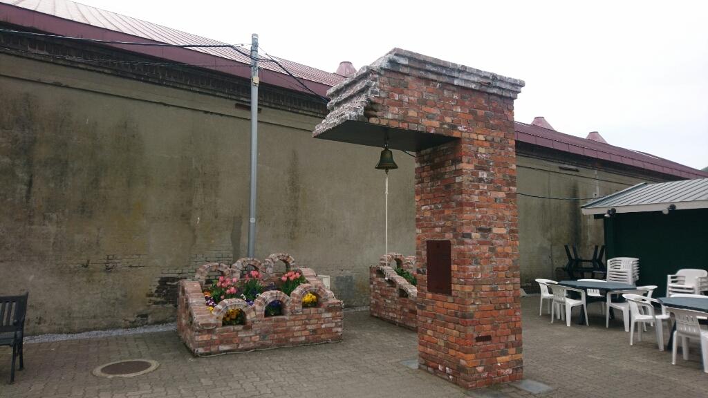 金森倉庫の鐘。亀梨和也さんが鳴らした鐘です。_b0106766_21034235.jpg