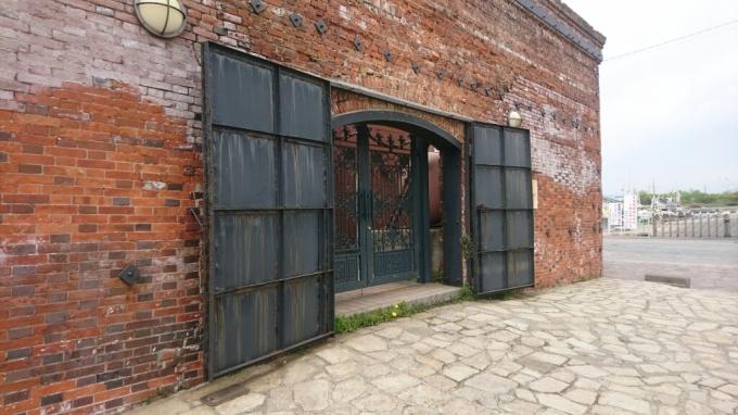 レトロな煉瓦、金森倉庫_b0106766_21095259.jpg