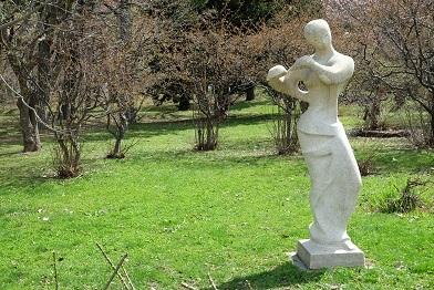 札幌市中島公園の彫刻達_f0362073_07204509.jpg