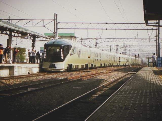 会津若松駅に四季島がやってきた。_c0141989_01424915.jpg