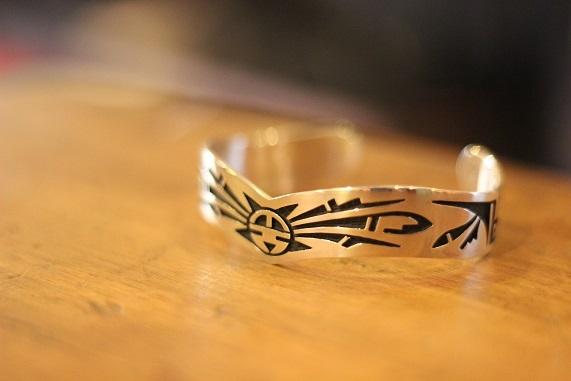 "\""HOPI\"" & \""NAVAJO\"" Indian Jewellery ご紹介_f0191324_08193274.jpg"