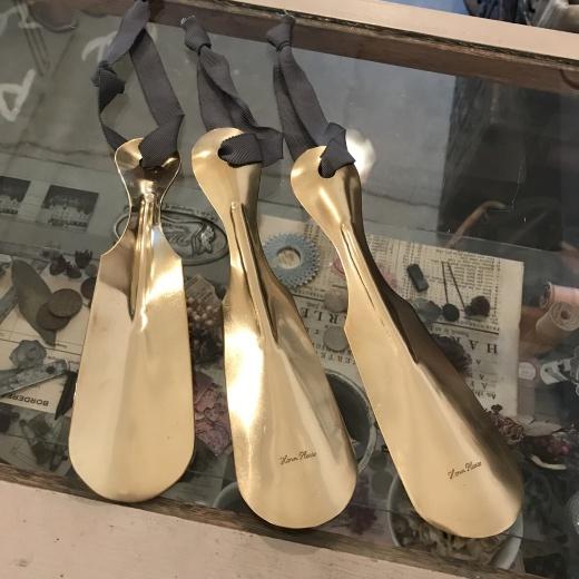 鏡と靴べら。_a0164280_13555330.jpg