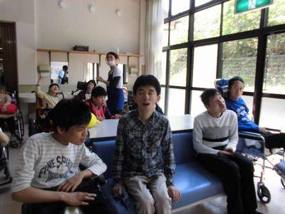5/12 朝の活動_a0154110_9484251.jpg