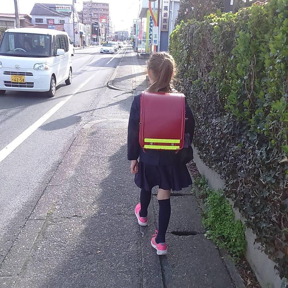 日本滞在記 理名、初登校!_b0167736_05295508.jpg