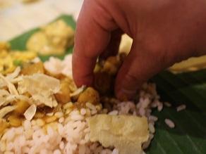 ケララバワンで手食の会、サッディヤパーティーを開催してみた_c0030645_2146099.jpg
