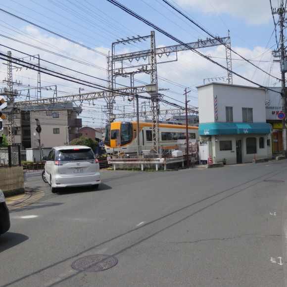 西大寺を北に歩いて行くと_c0001670_16095978.jpg