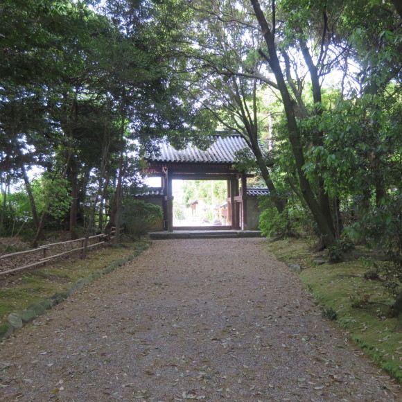 西大寺を北に歩いて行くと_c0001670_16124331.jpg