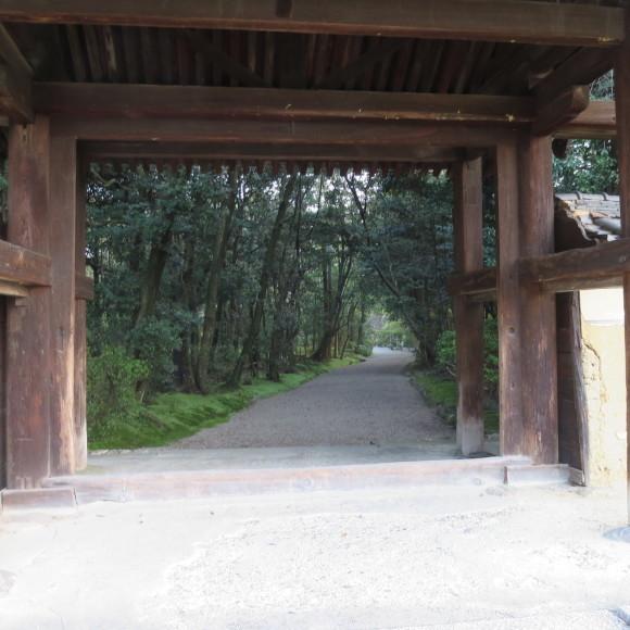 西大寺を北に歩いて行くと_c0001670_16194671.jpg