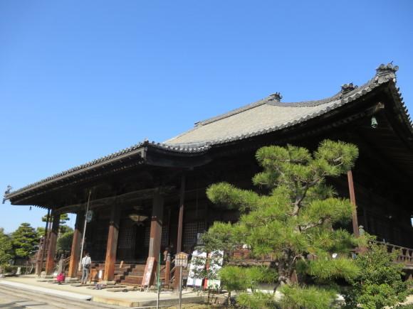 西大寺を北に歩いて行くと_c0001670_16230325.jpg