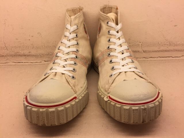 5月17日(水)大阪店ヴィンテージ&スニーカー入荷!#1 VintageSneaker編!20~30\'sBlackHi&ChuckTaylor!!_c0078587_0182694.jpg