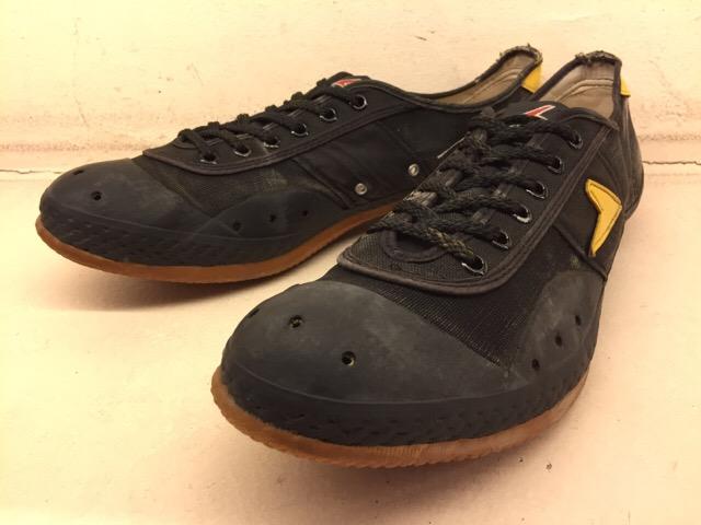 5月17日(水)大阪店ヴィンテージ&スニーカー入荷!#1 VintageSneaker編!20~30\'sBlackHi&ChuckTaylor!!_c0078587_073348.jpg