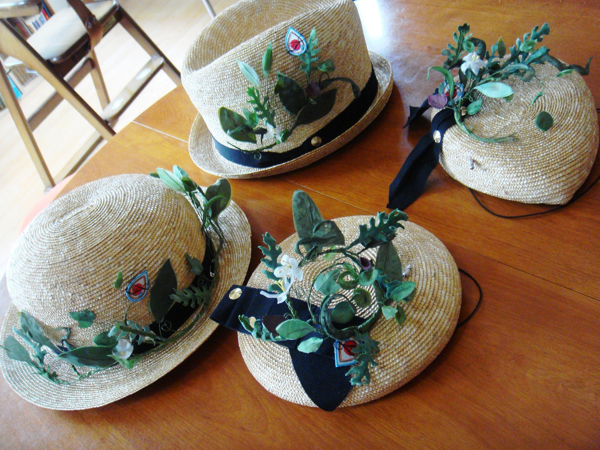 カンガエル帽子店_a0288689_08425945.jpg