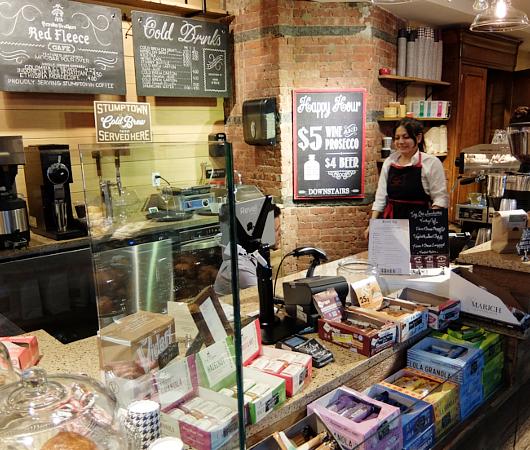 NYのブルックス・ブラザーズ店内にカフェ?! The Red Fleece Café_b0007805_10352433.jpg