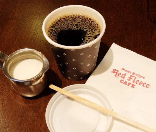 NYのブルックス・ブラザーズ店内にカフェ?! The Red Fleece Café_b0007805_10354841.jpg