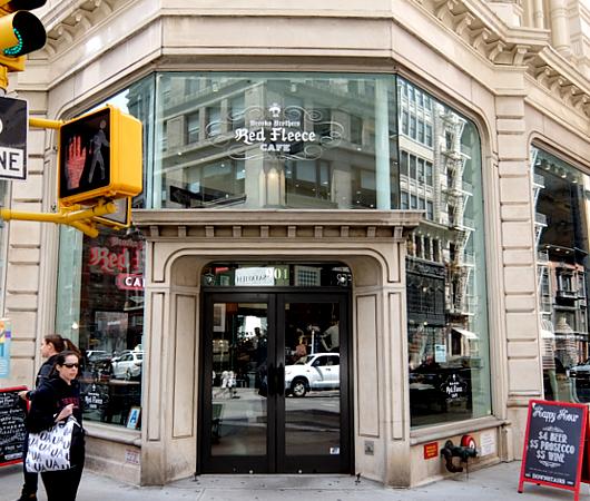 NYのブルックス・ブラザーズ店内にカフェ?! The Red Fleece Café_b0007805_21163423.jpg