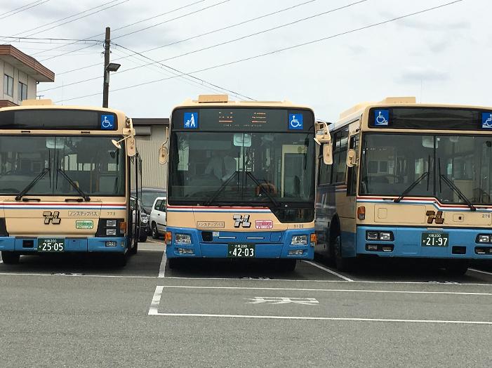 15年標準仕様ノンステップバス_c0167961_1830942.jpg