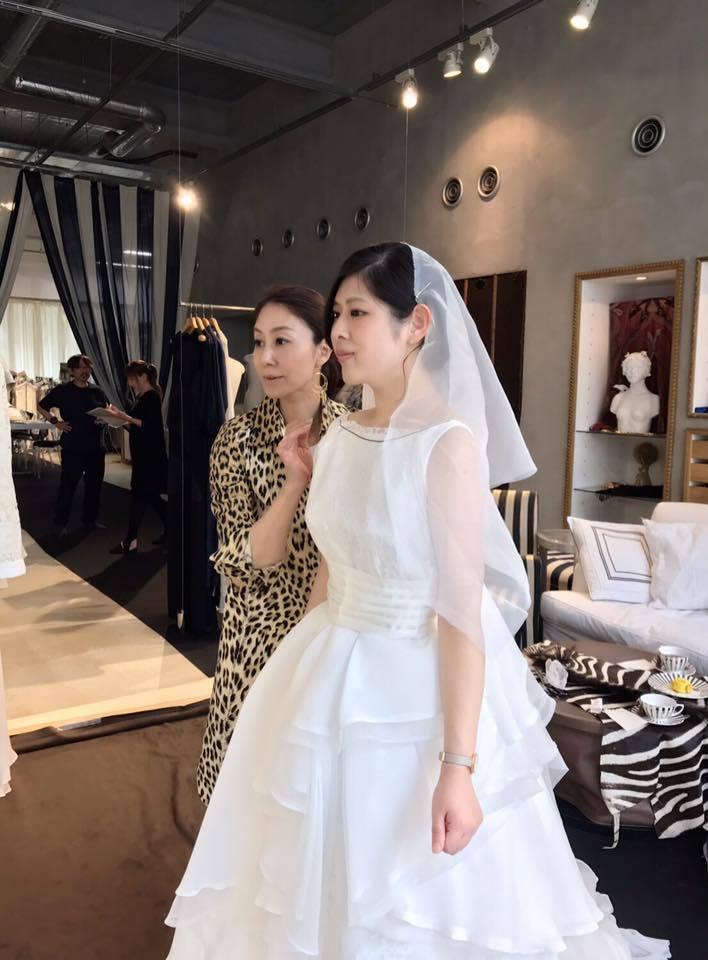 サロンにてオーダー・ウエディングドレスの仮縫い✨_a0138976_12240153.jpg