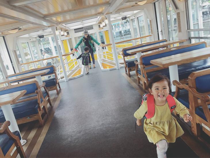 水上バスの旅と日常と_a0127284_11402790.jpg