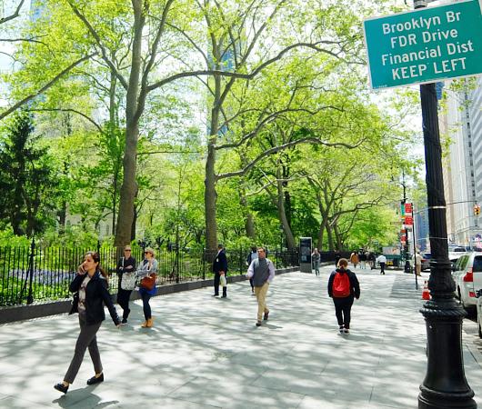 ニューヨークの市役所(City Hall)エリアをお散歩_b0007805_2121790.jpg