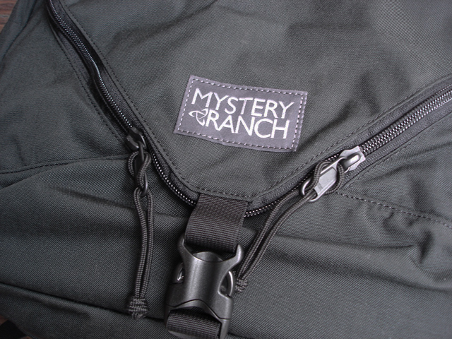 NEW  :  MYSTERY RANCH [EXPANDABLE 3 WAY BRIEFCASE] !!_a0132147_1682759.jpg