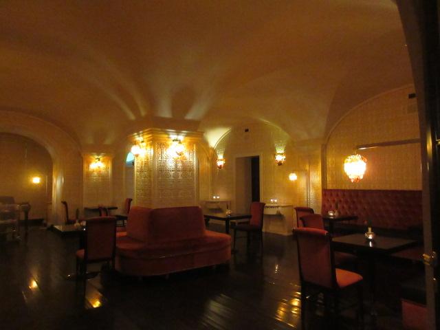 日本の皇室御用達のフィレンツェのあのホテルでアペ!!_c0179785_2354351.jpg