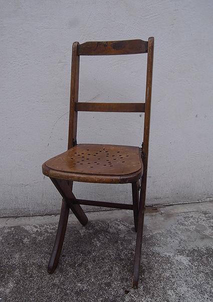 折りたたみ椅子_e0111789_09553356.jpg