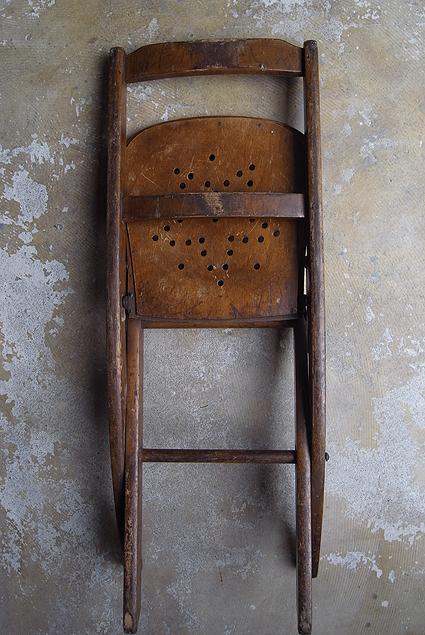 折りたたみ椅子_e0111789_09553497.jpg