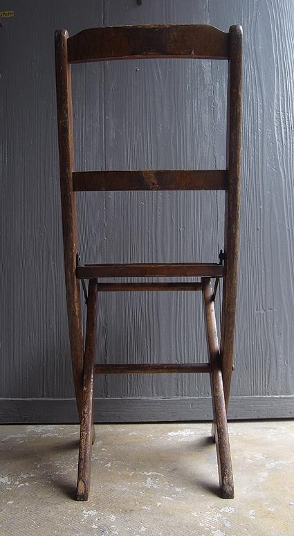 折りたたみ椅子_e0111789_09553504.jpg