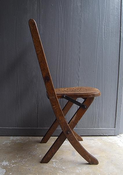 折りたたみ椅子_e0111789_09553536.jpg